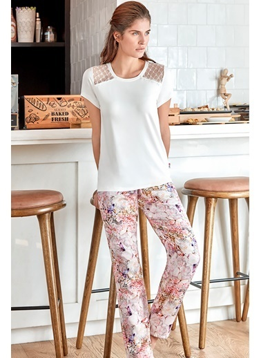 Anıl Kadın Pamuklu Tüllü Üst Bluz Pantolon 2'li Takım Ekru